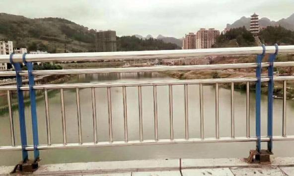福建不锈钢防撞护栏
