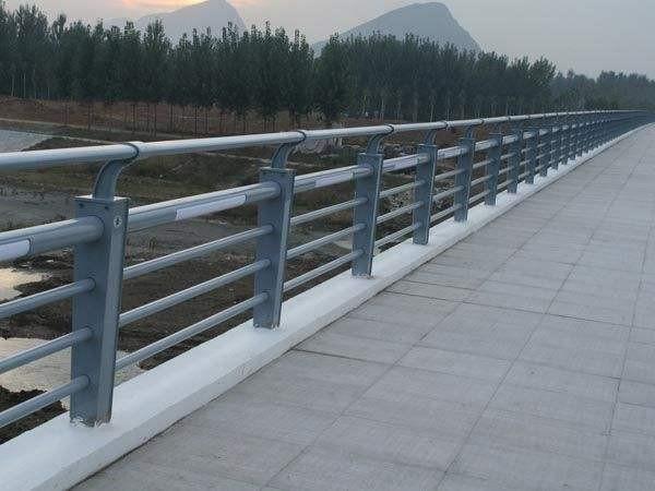 佛山不锈钢复合管护栏